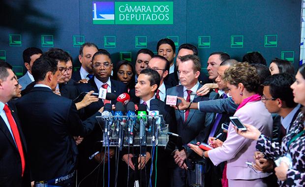 Marcos Pereira anuncia saída do PRB da base do governo, em Brasília
